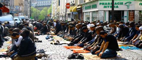 اليمين المتطرف يهدف لإبقاء المسلمين 1_277.jpg?itok=QsSWre0w