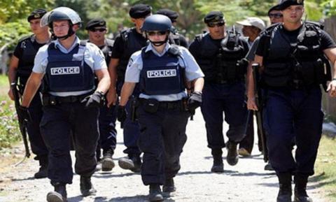اعتقال امرأة اعتدت أربع طالبات 22_33.jpg?itok=S8jtLTC8