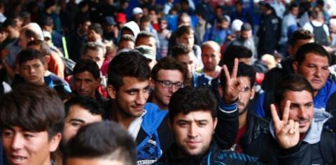 النيران تلاحق اللاجئين 2_422.jpg?itok=3hFu9MLH
