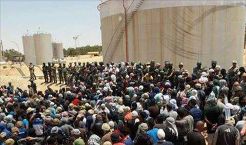 الجيش التونسي يتدخل المحتجين جنوبي 441_44.jpeg?itok=lz2J4s3I