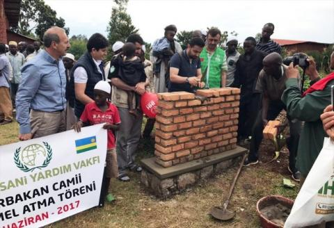 مساعدات تركية لبناء مسجد جديد 4_146.jpg?itok=hvnMm68H