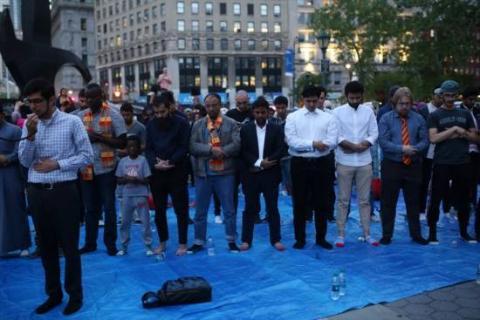 مسلمو أمريكا ينظمون إفطاراً جماعياً 4ae64c1fbfe1233f734582e50f13546e_M.jpg?itok=cvhhw5DO