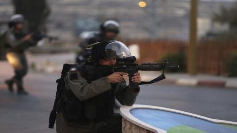 الاحتلال يعتقل مسنة فلسطينية بزعم 567fa2fdc361888b6f8b457d.jpg?itok=Jp2OkzDk