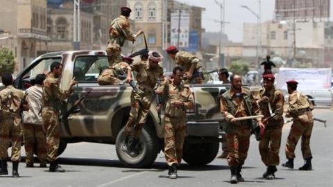 الجيش اليمني يسيطر مواقع عسكرية 56_3.jpg?itok=r6XmpIvy