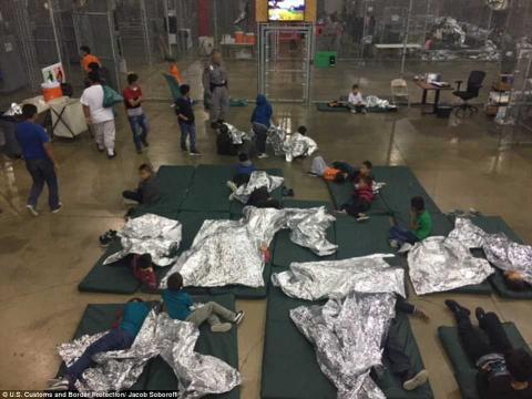 واسع بسبب معسكرات احتجاز أمريكية 5_403.jpg?itok=HKq8o4aZ