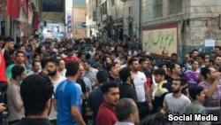 محتجون إيرانيون يتهمون كبار المسؤولين 66_216.jpg?itok=UC37vTQu