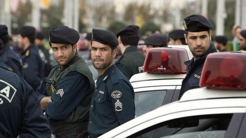 هجوم مسلح مبنى محافظة بوشهر 66_87.jpg?itok=Ee0ypVSv