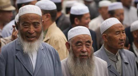 صحيفة صينية رسمية تعترف باعتقال 6_394.jpg?itok=hKJ5XmYo