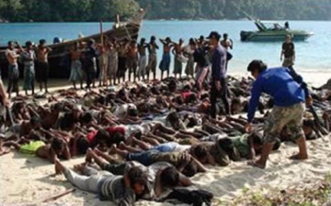 ندوة بالبرلمان السويدي مأساة مسلمي 777_8.jpg?itok=hd1onNgR