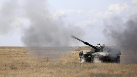 مدفعية الاحتلال تقصف مواقع بقطاع 77_63.jpg?itok=ysqeZLOJ