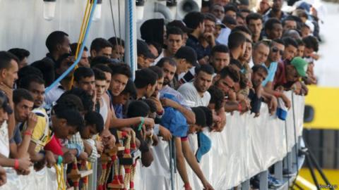 لاجئون مسلمون اليونان يشكون المعاملة 888_4.jpg?itok=oALqVH8G