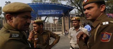 الشرطة الهندية تستولي بقرة تملكها 88_77.jpg?itok=mpbU77hE