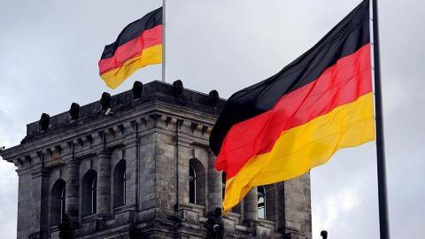 نائبة ألمانية تهاجم الحجاب داخل 8_271.jpg?itok=hyy8m2Dn