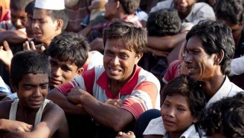 مسلمون ميانمار يفرون حملة عسكرية 8_5.jpeg?itok=SbpgZU-8