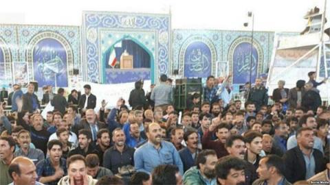 مزارعون إيران يديرون ظهورهم لخطيب 90_35.jpg?itok=mRrxcdxh