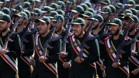 """الثوري الإيراني"" ينقل مليار دولار Dcr7lydVMAEGoiA.jpg?itok=GuP0O9V4"