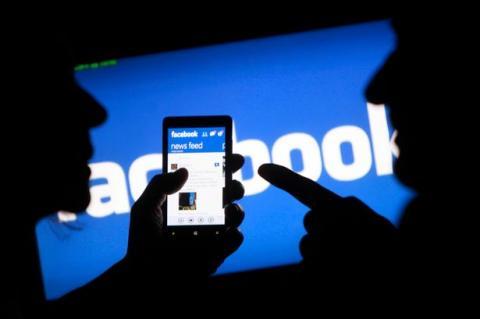 دراسة تربط خطاب الكراهية بمواقع Facebook-application.jpg?itok=xcACwSdO