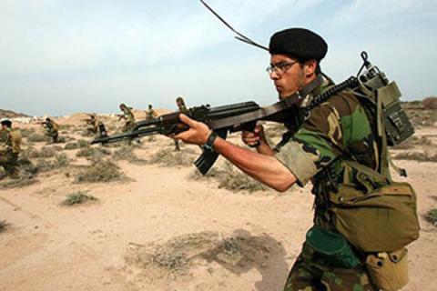 طيران التحالف يقصف رتلاً لميليشيات Iran_soldier_290609.jpg?itok=WVz6LA44