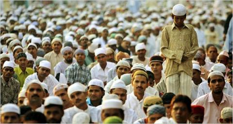 الهند تسعى لإقرار قانون لحماية Muslims-in-India.jpg?itok=jX70ZPjR