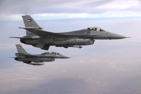التحالف العربي يدمر مركزًا للاتصالات Two_F-16_of_the_Royal_Jordanian_Air_Force.jpg?itok=UYHqsM6C
