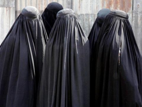 بلجيكا.. مسؤولة حكومية تطالب برفع burqa-reuters-640x480_0.jpg?itok=WOJ5ULyd