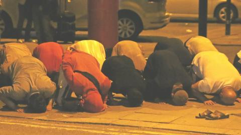 تضاعف عمليات استهداف المساجد بريطانية nawaz-mosque-attacker-isis_ywudkh_0.jpg?itok=FIWo2Kvh