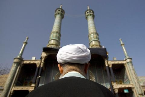 إيران تشهد حالات طلاق دقيقة shiiteClericIranRTXBP2W-630x420.jpg?itok=yd780DuJ