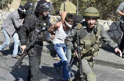 قوات الاحتلال تعتقل طفلًا مقدسيًا thumb.php__13.jpg?itok=NCxt2Fin